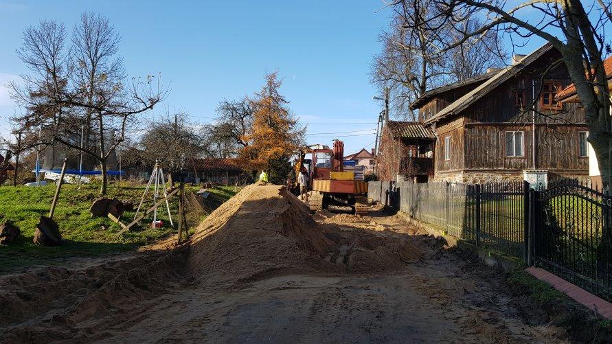 Rozpoczęła się przebudowa drogi w Miętkich